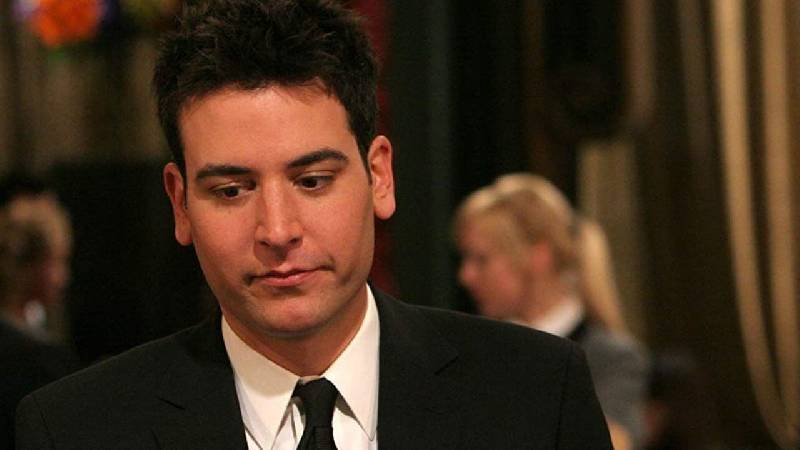 Ted Mosby (Josh Radnor) - How i met your mother